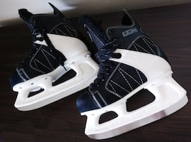 CCM Junior Skates (Size 3)