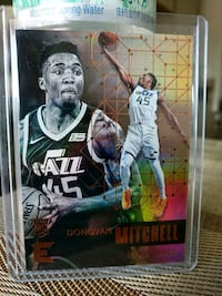 Jazz Donovan Mitchell rookie card Paramount, 90723