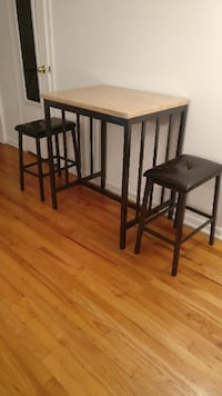 Breakfast table with a pair of stools Rocky Hill