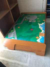 Kids play train table