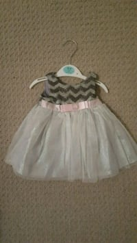 Girls 3-6m dress Stoney Creek, L8J