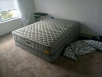 gray and black bed mattress Annandale, 22003