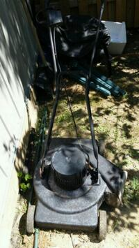 black and gray push mower Longueuil, J4K 2W6