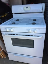 White and black 4-burner gas range oven San Antonio, 78201