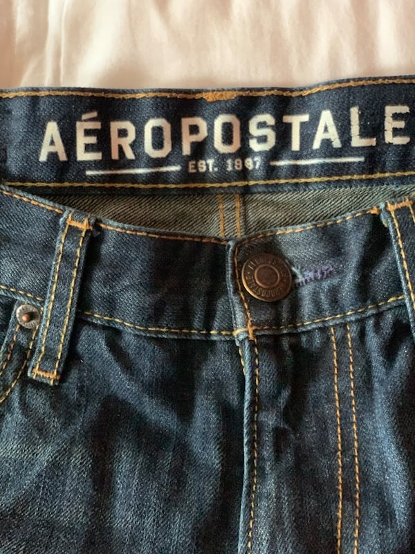 Areopostale jeans never worn f870dede-8f8d-4a19-a74a-dff41dc0aa30