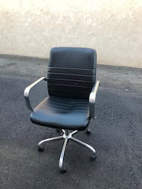 black and white rolling armchair San Diego, 92154