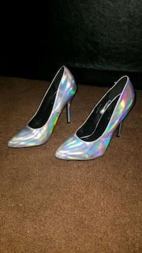Silver wet seal heels size 9 Southaven, 38671