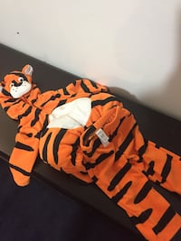 Halloween costume 6/9 month new  Laval, H7T 1Y3