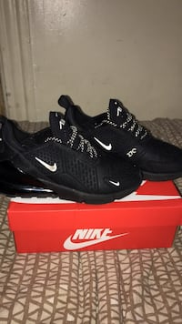 pair of black Nike Huarache shoes with box New York, 10470