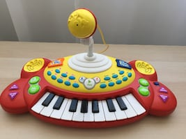 Electronic Keyboard with Mic / Clavier électronique avec Micro