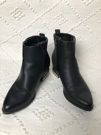 Black Booties With Silver Detail Oakville, L6M 5B3
