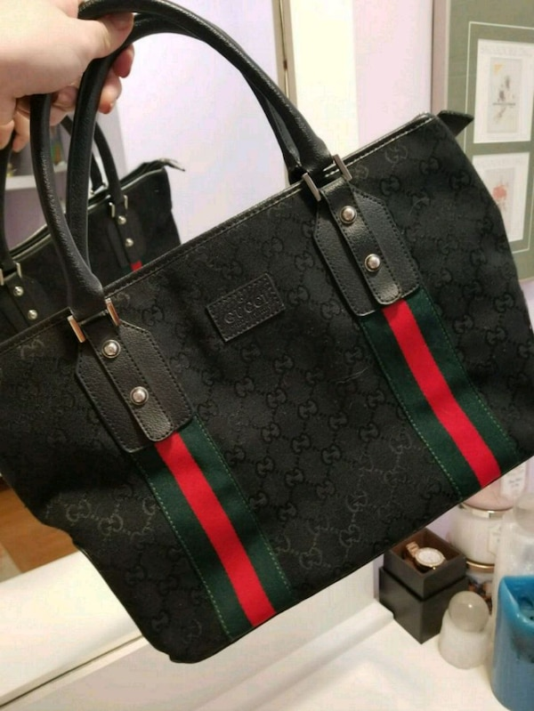 d79a0b799191 Used Black red green Gucci purse for sale in London - letgo
