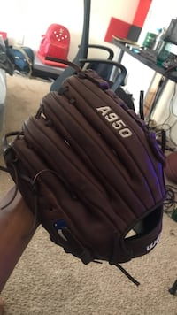 """12.5"""" wilson a950 outfielders glove for right handers Richmond, 94801"""