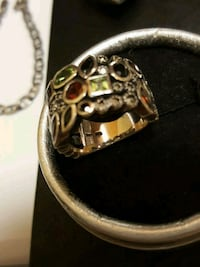 gold and diamond studded ring Salaberry-de-Valleyfield, J6T 1P4