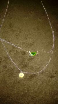 Tinkerbell flower and leaf necklace