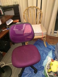 Purple and black rolling chair Brampton, L6W 3A8