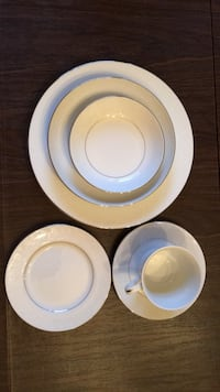 China set for 10 with serving pieces Freehold, 07728
