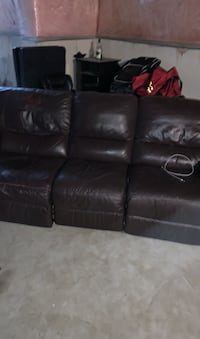 Leather couch Vaughan, L4H 1K6