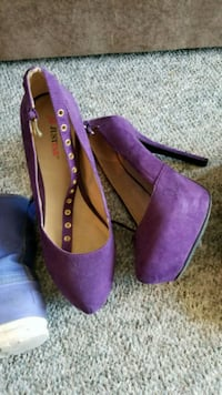 Size 9 Purple just fab strapped thick high heel 1961 km