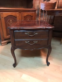 End table Middle River, 21220
