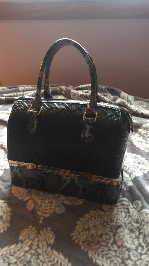 4806b1a05e82cf Used black Michael Kors leather tote bag for sale in Vernon - letgo