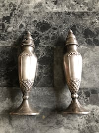 Antique silver plated salt and pepper shakers Norfolk, 23503
