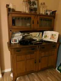 Turn of century oak buffet and dining table  Coquitlam, V3K 6H7