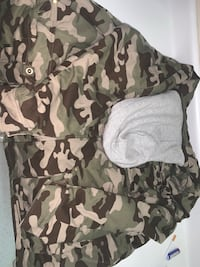 Camo jacket 5XLT no tags, was washed and never worn. Couldn't return Hagerstown, 21740