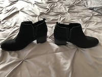 Woman's zip up ankle boots- size 7.5 only worn once East Kingston, 03827