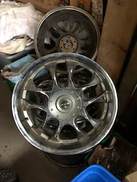 chrome 5-spoke car wheel set Innisfil, L9S