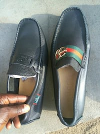 pair of black Gucci leather loafers Lynn, 01902