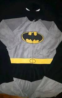 MUST GO TODAY! Batman Zip-up Onesie Vancouver, V6E 1X7