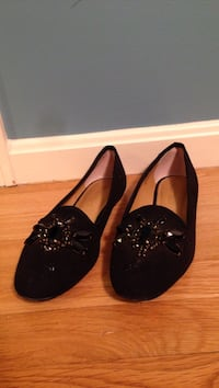 Ellen Tracy flats slip on shoes good condition size 7