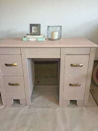 Pink Wooden Desk Bradford West Gwillimbury, L3Z