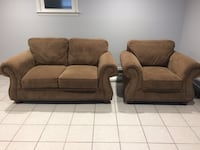 Broyhill Loveseat couch & chair. Great condition. Morristown, 07960