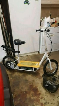Razor electric scooter  Patterson, 95363