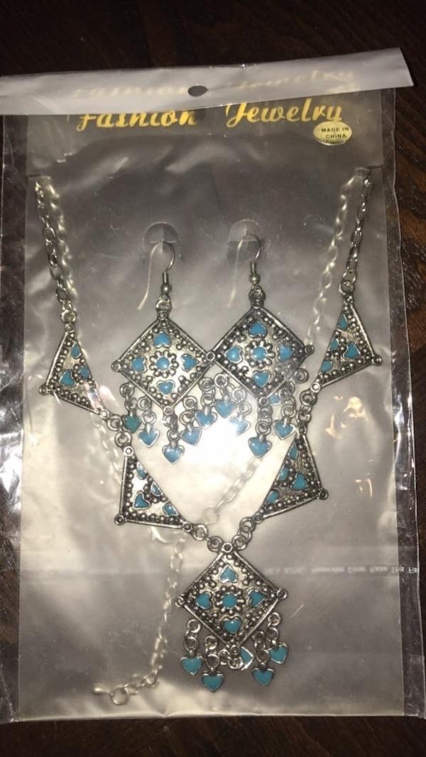 New earrings and necklace set 8d68ba34-b36a-48d3-8709-e89beeb2a7a6