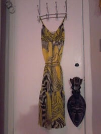 YELLOW PRINT DRESS SMALL, PERFECT FOR VACATION Pickering, L1W 2K1