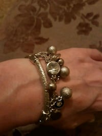 Stretch silver colored braclet with charms  Vaughan, L4H 1M4