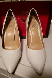 pair of white leather peep toe heels Springfield, 22152
