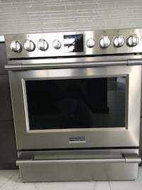 New Stainless Steel Frigidaire Professional Electric Stove Kitchener, N2R 0B5