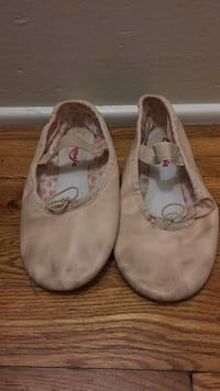 Pair of girl's pink ballet flats