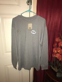 gray and white long sleeve shirt Perris, 92571