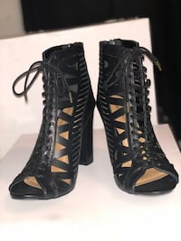 Black heels Redding, 96002