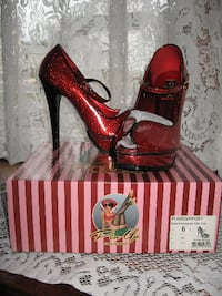 ~NEW IN BOX~Pin-Up Couture~Ankle Strap Peep-Toe Platform Heel~Size 6~