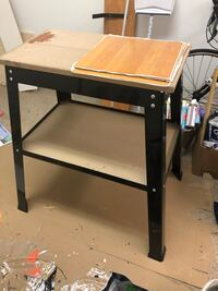 Tool Stand must go July 12 Montréal-Ouest, H4X 1V5
