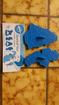 Wilton baseball player cookie cutters, two for $3 Tracy, 95304