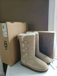 Girls UGG Boots  Welland, L3C 4H6