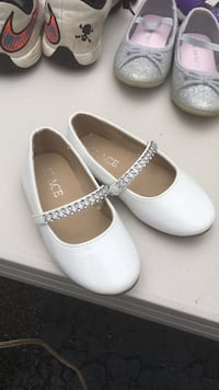 women's pair of white leather Mary Jane flats Bexley, 43209