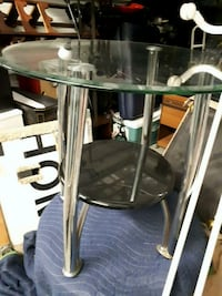 CLASSY END TABLES